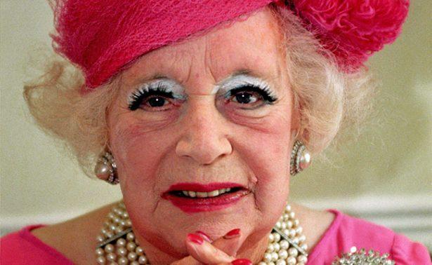 """Barbara Cartland, """"La dama de la novela rosa"""""""