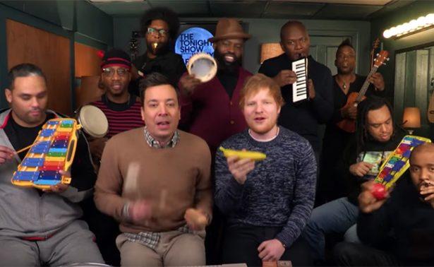 Ed Sheeran y Jimmy Fallon cantan ¡con juguetes!