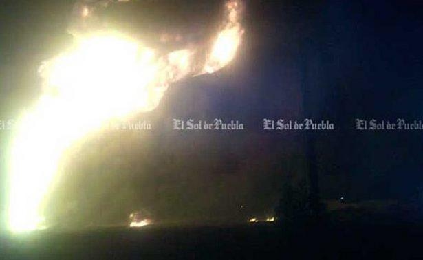 Reportan otro incendio por toma clandestina en Puebla