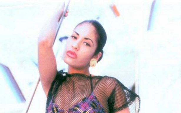 Selena Quintanilla revive pasiones con sexy e inédita fotografía