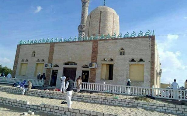 Sube a 185 los muertos en ataque terrorista en mezquita en el Sinaí egipcio