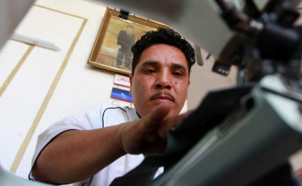 """Migrante emprende con textiles el """"sueño mexicano"""""""