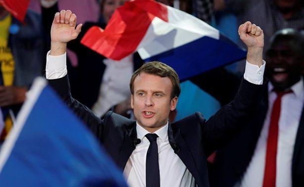 Al cierre de campaña presidencial Macron consolida ventaja en sondeos