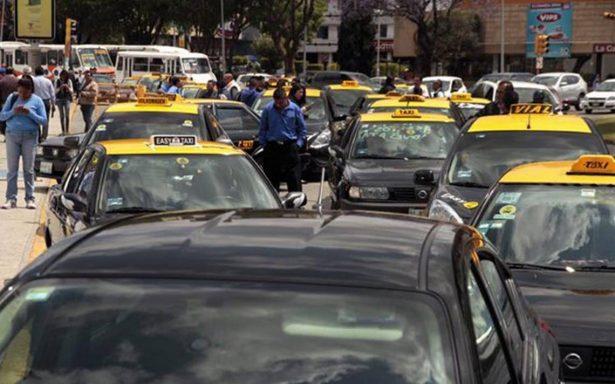 Ahora pedirán antecedentes no penales para taxis en Puebla
