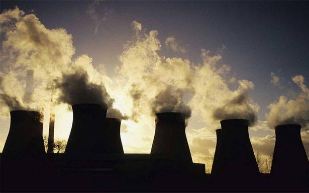Trump acabará plan de Obama que obligaba a reducir emisiones contaminantes