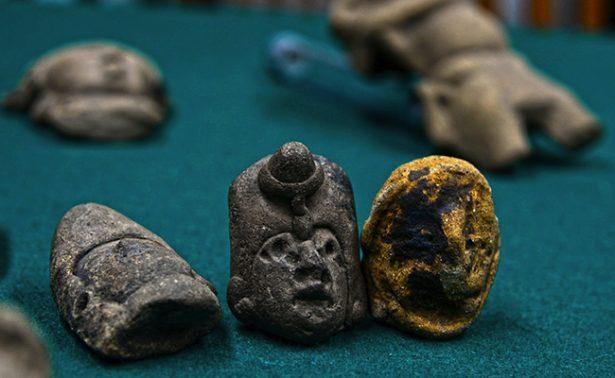 Estadounidense devuelve piezas prehispánicas a México