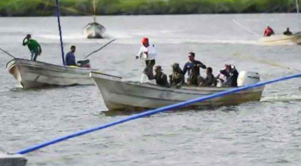 Pescadores de Veracruz exigen a Pemex que entregue vales de gasolina