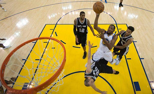 Warriors se impuso a Spurs en las finales de la Conferencia Oeste