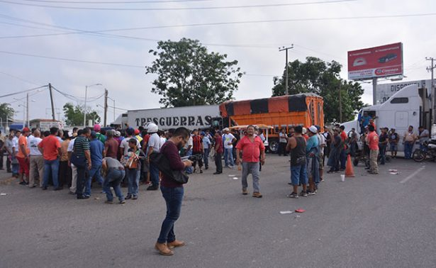 Bodegueros levantan bloqueo de Central de Abasto