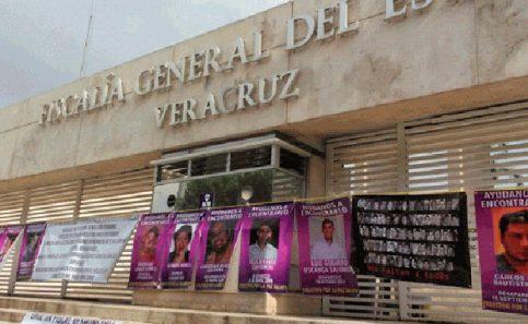 Familiares de desaparecidos toman Fiscalía en Veracruz