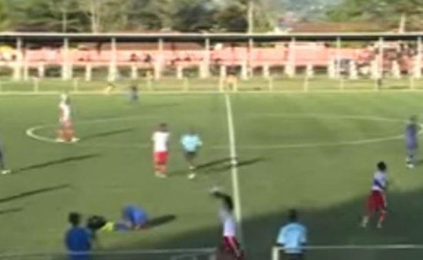 [Video] Muere futbolista africano tras anotar su último gol