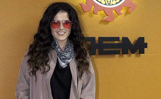 """Camila, la hija de """"El Potrillo"""", en el Sol de México"""