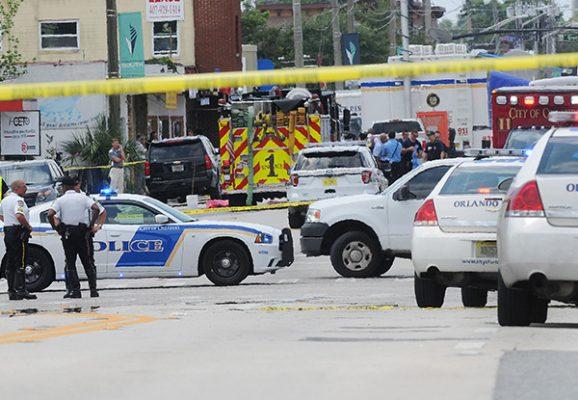 Desalojan club de Orlando donde militante del EI mató a 49 personas
