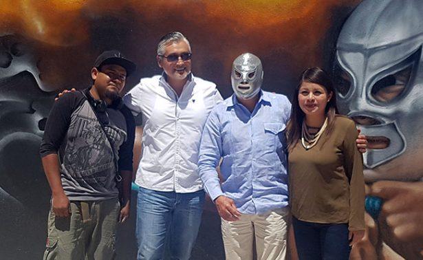 Rinden honor a luchador el Santo con mural en Aguascalientes