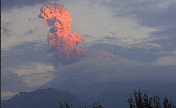 Prevén caída de ceniza en Puebla tras explosión del Popocatépetl