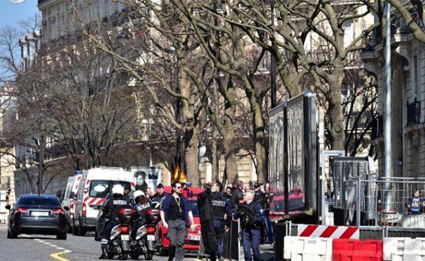 Presunto petardo deja un herido en sede del FMI en París