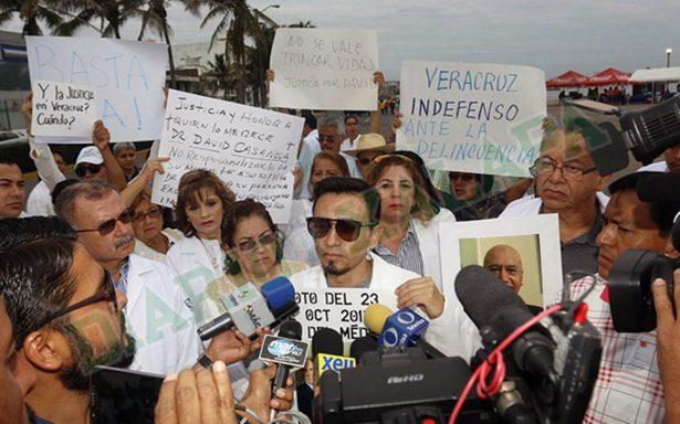 Médicos de Veracruz exigen justicia tras asesinato de colega