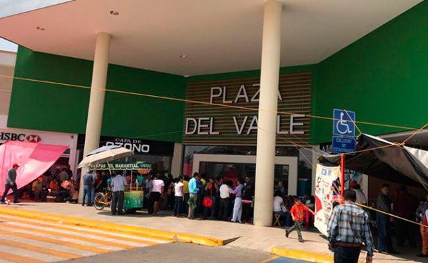 CNTE bloquea negocios y vías de acceso en Oaxaca