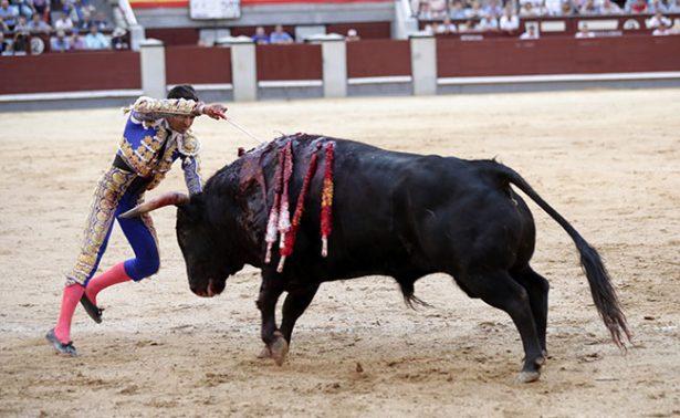 Joselito Adame salió con la única oreja del festejo
