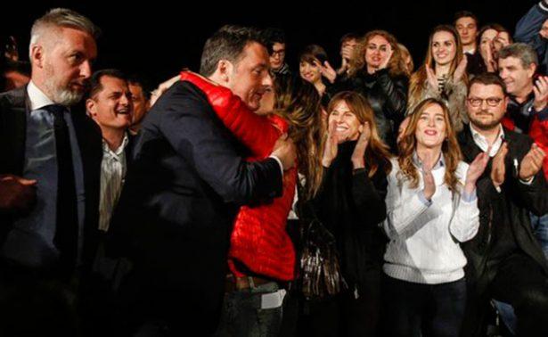 El ex primer ministro Matteo Renzi recupera el mando del PD en Italia