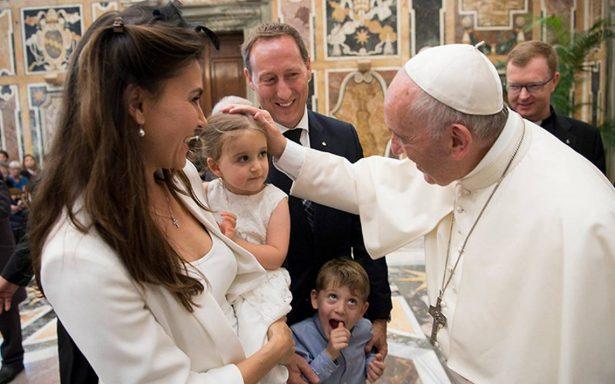 Alerta el Papa por el uso de internet