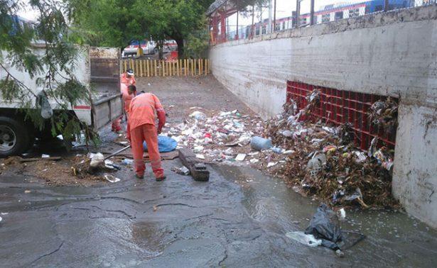 Toneladas de basura regia, tras unas horas de lluvia