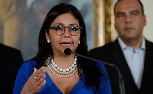 Canciller venezolana llama cobarde a Kuczynski, presidente de Perú