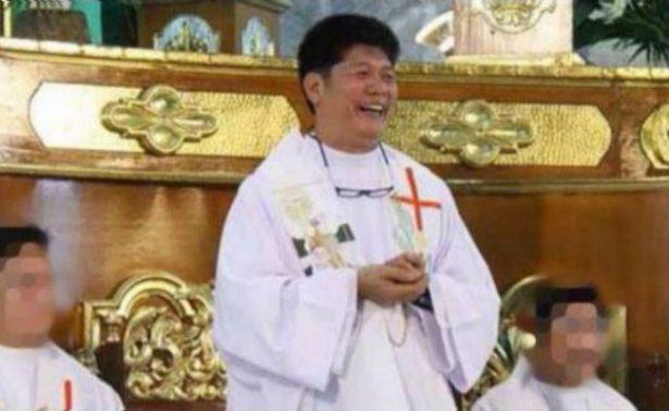 Sorprenden a sacerdote mientras llevaba a niña de 13 años a un hotel