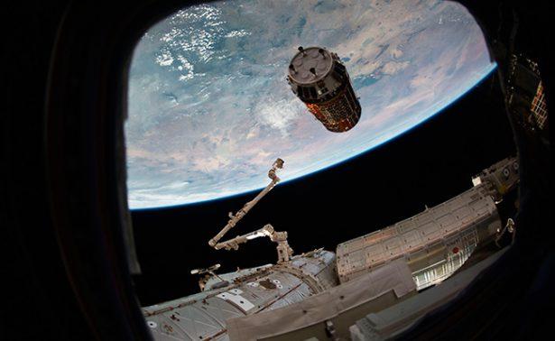 """Envían """"ponche y regalos"""" a los astronautas de la Estación Espacial"""