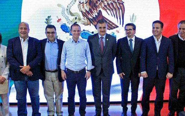 Anaya califica de arcaicas las propuestas de Andrés Manuel
