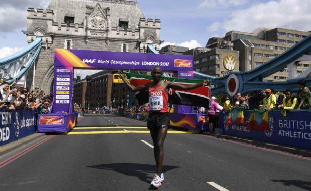 Keniata impresiona en triunfo de maratón de Mundial de Atletismo
