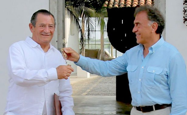 Yunes toma posesión del inmueble expropiado a Duarte