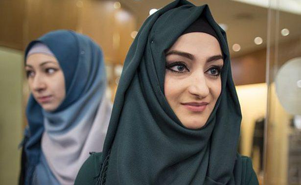 Justicia europea avala prohibir el pañuelo islámico en el trabajo