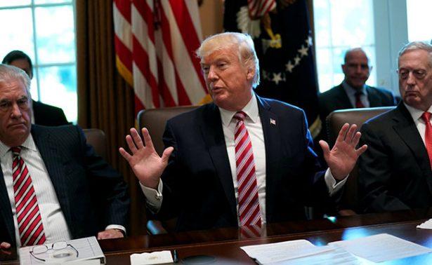 """Trump critica que ordenmigratoria siga bloqueada en """"tiempos peligrosos"""""""