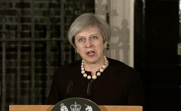"""Theresa May condena """"enfermo y depravado ataque"""" en Westminster"""