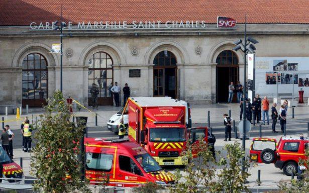 Ataque con cuchillo deja dos muertos en estación de trenes en Marsella