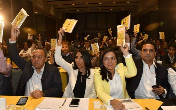 Alianza con el Frente al 'filo de la navaja'; perredistas rechazan a Anaya