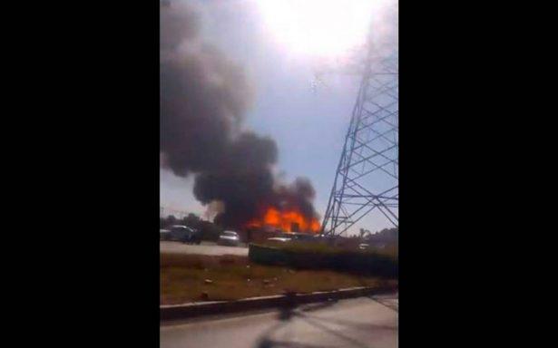 Se registra incendio cerca de Plaza Sendero de Ecatepec