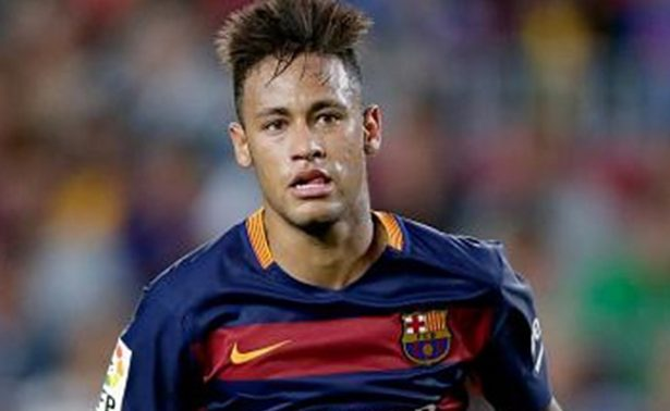 Federación francesa recibe autorización para que Neymar pueda jugar