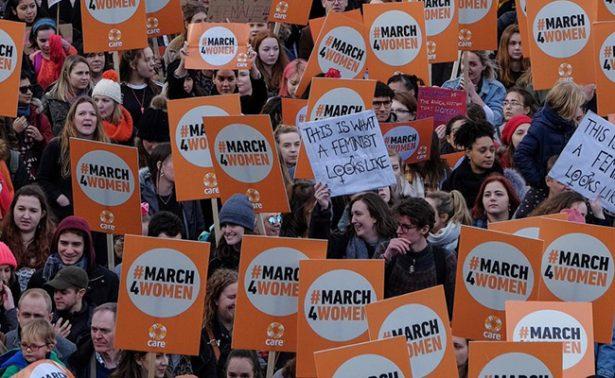 Cantantes lideran manifestación por Día de la Mujer