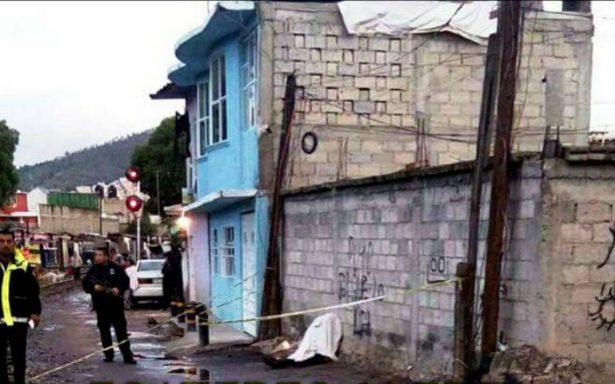 Queman autobús y asesinan a chofer en Xalostoc