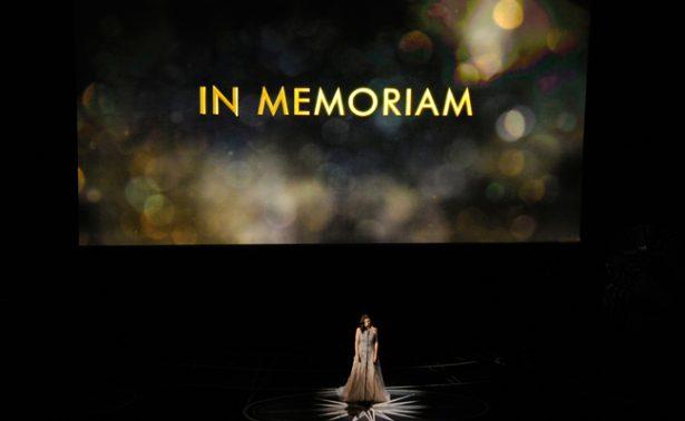Incluyen foto de productora viva en homenaje del Oscar a fallecidos