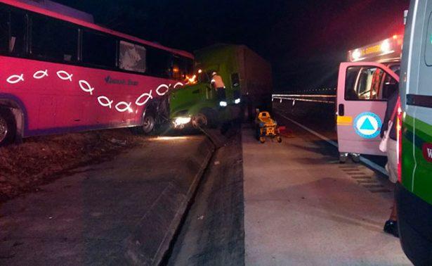 Choque en Autopista del Sol deja 6 heridos