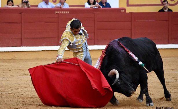 Joselito cortó tres orejas en España