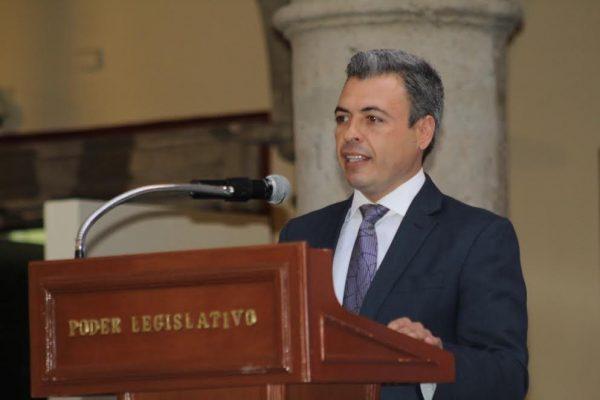 Que Jalisco reconozca a sus artesanos: Oswaldo Bañales