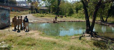 Hallan cadáver flotando en estanque en Tonalá
