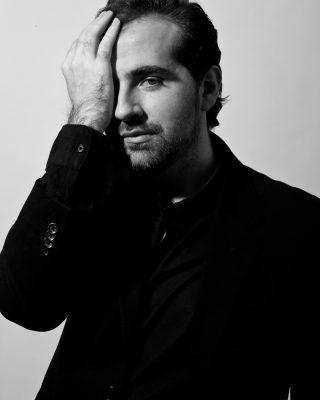 """Fernando Canek dirige """"El fantasma del espejo"""""""