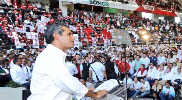 La cruza grotesca entre PAN y PRD es por ambición: Ochoa Reza