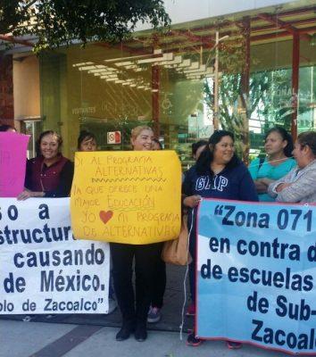Padres de familia exigen reapertura de un preescolar en Zacoalco de Torres