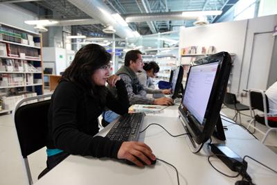 El 32% de quienes estudian algún posgrado obtiene mejores puestos de trabajo